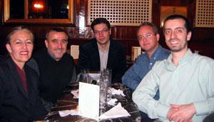 Foto da reuníon no 'Café Gijón'