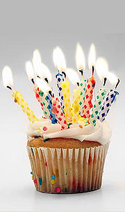 Tarta de aniversario (como son poucos anos, só é unha madalena).